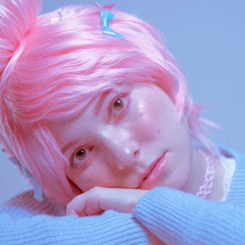 Miki Clark pink